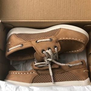 Toddlers size 10W boys tan Sperry brand shoes